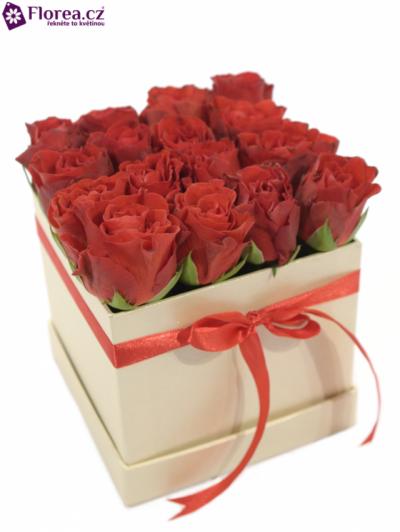 Krabička růží šampaň DORLISA 12x12x11cm