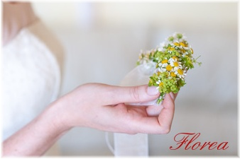 Květinový náramek pro nevěstu