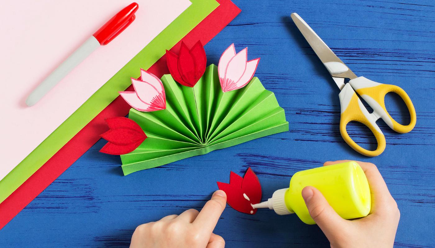 Ručně vyrobený dárek –papírová kytice