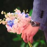 Jak se omlouvá pravý gentleman? Vždy s květinou