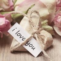 Valentýnské růže nemusí být jen rudé