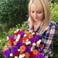 Mix s barvenými růžemi