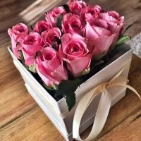 Doručení květinové krabičky EUNIKE