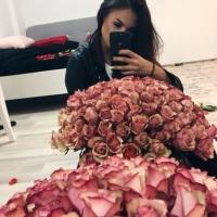 Doručená kytice sto růží Antique