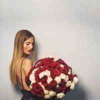 Doručená kytice 100 růží