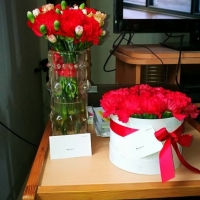 Krabička růží i kytice od Florea