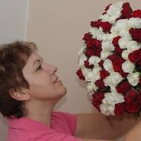 Kytice sto růží míchaná