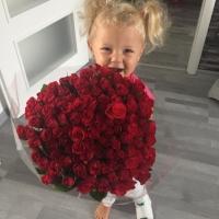 Sto růží Red Calypso
