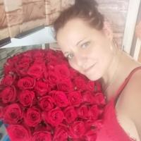 Sto růží Red Naomi