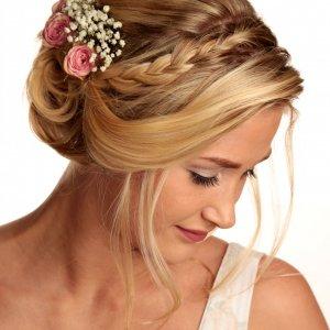 Svatební květina do vlasů