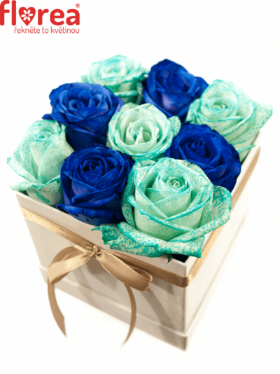 Krabička růží bílá ALYSIA 12x12x11cm