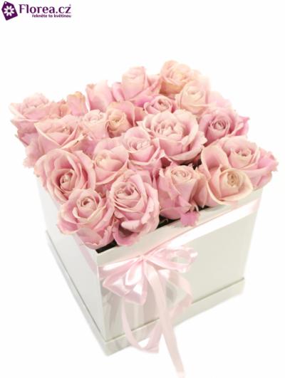 Krabička růží bílá ELIANNE 20x20x20cm