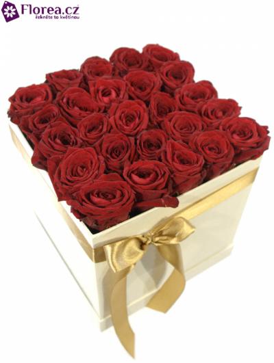 Krabička růží bílá KARESSA 20x20x20cm