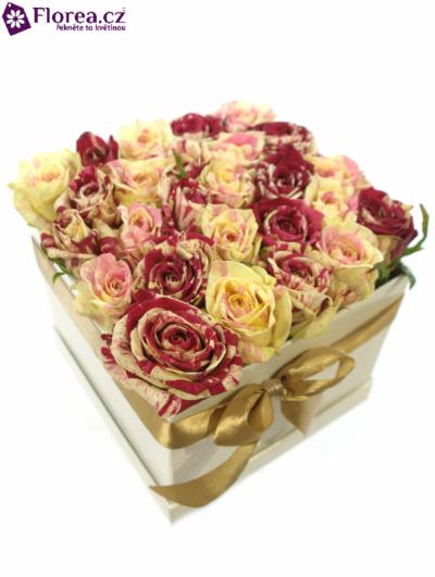 Krabička růží bílá KATHELYN 16x16x13cm