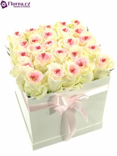 Krabička růží bílá KATINA 20x20x20cm