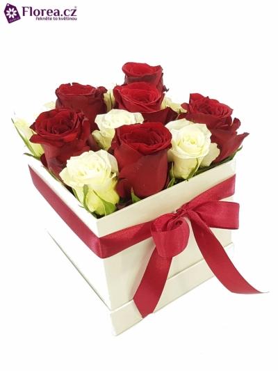 Krabička růží bílá KOSMAS 12x12x11cm