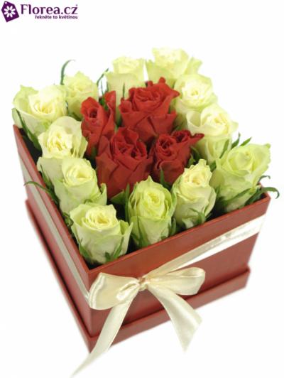 Krabička růží červená HIPPOLYTE 12x12x11cm
