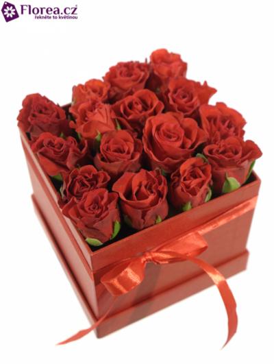 Krabička růží červená HYPATIA 12x12x11cm