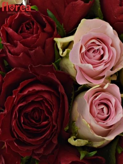 Kytice 15 míchaných růží MADAM BISOU 50cm