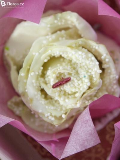 ROSA CUPCAKE CHOCOLAT PEARL WHITE LOVE